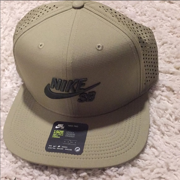 best website c184e e2f96 Nike SB Aerobill SnapBack